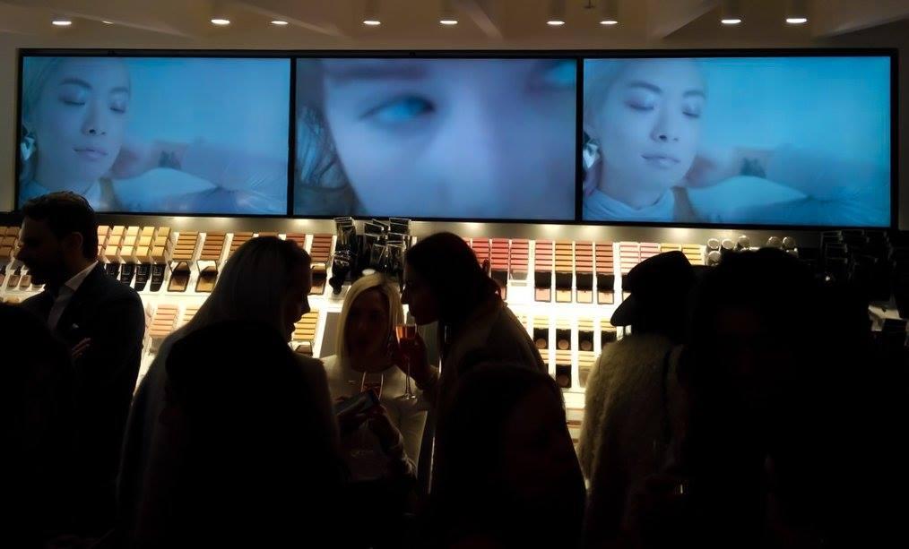 LG mount wall screens at 3ina store